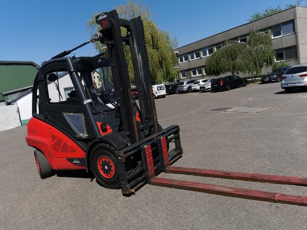 Linde H50D-02/600 // Zinkenverstellgerät / 3. Ventil / HH 3.700 mm / 2.200 mm lange Gabeln